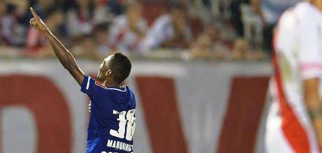 Marquinho, jugador de Cruzeiro celebra el gol (Foto: EFE)