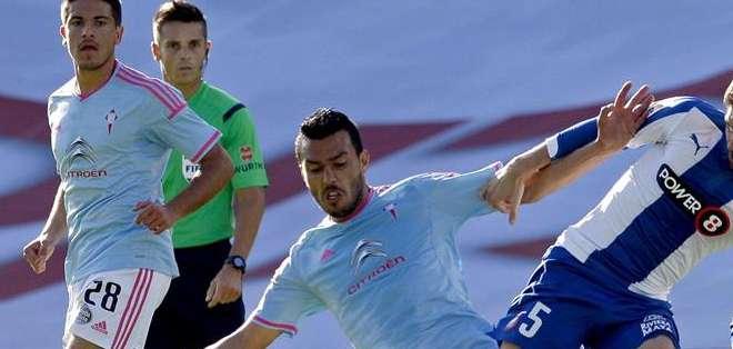 ESPAÑA.- El Celta despide la campaña octavo al derrotar por 3-2 al Espanyol. Homenajeó a su capitán Borja Oubiña. Fotos: AFP