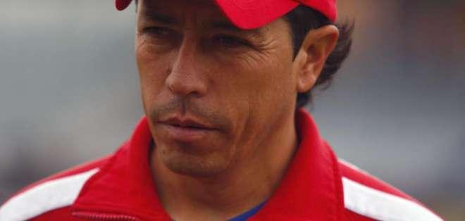 Paúl Vélez llega en reemplazo del entrenador uruguayo Tabaré Silva.