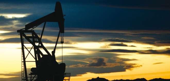 El precio del barril de (WTI) para entrega en julio subió 2,62 dólares a 60,30 dólares.