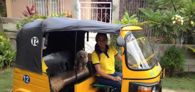 Dallyana Passailaigue se convirtió por un día en conductora de tricimotos.