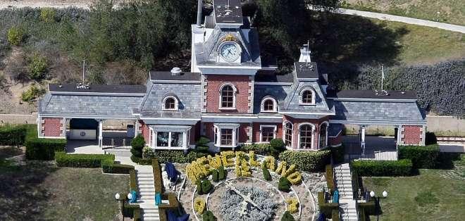 """El extravagante rancho californiano """"Neverland"""" fue puesto en venta por 100 millones de dólares."""