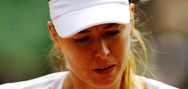 Maria Sharapova deja libre la corona de campeona en el Abierto francés (Foto: EFE)