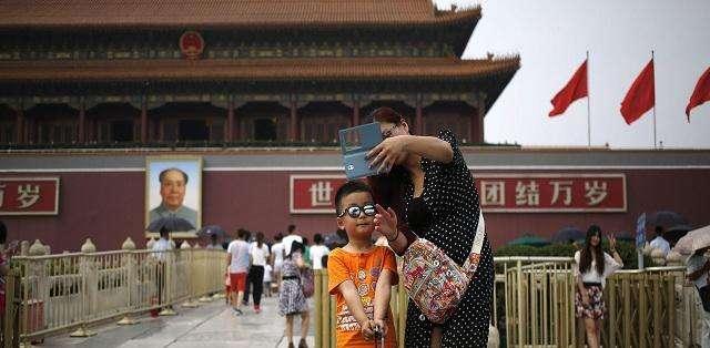 """CHINA.- Para un escritor chino, prácticas como el lujoso tour """"distorsionan la mente de los chicos"""". Fotos: Agencias"""