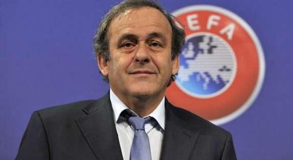 Platini goza de la simpatía de muchos para asumir la FIFA.