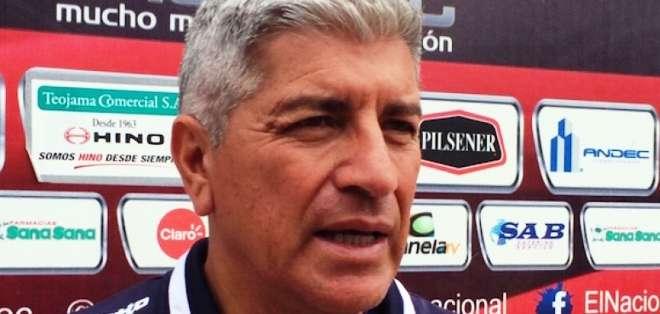 Octavio Zambrano, en su momento de entrenador de El Nacional (Foto: API)