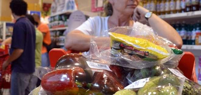 QUITO.- El INEC informó de que el costo de la canasta básica de productos llegó en mayo a 665,09 dólares. Foto: Web Referencial.