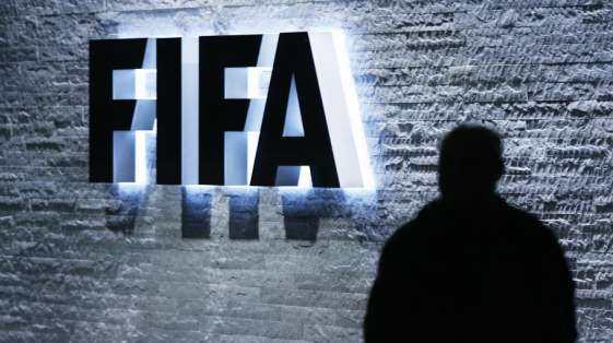 Las sombras de la corrupción manchan la FIFA.