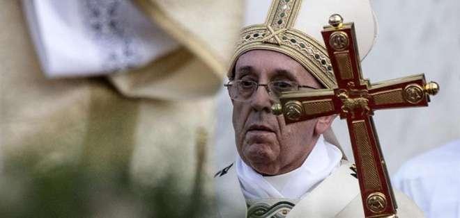 La letra alude a la condición de mensajero del pontífice y a los mensajes que este difunde por el mundo, entre ellos la necesidad de reconciliación y de misericordia.