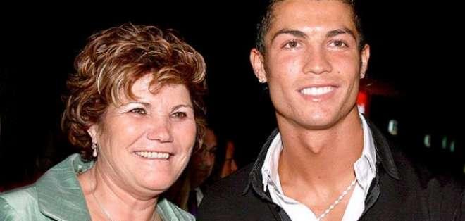 La madre del portugués Cristiano Ronaldo fue detenida en el aeropuerto de Madrid por llevar dinero sin declarar.