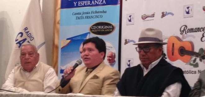 QUITO.- El disco contiene 19 canciones, entre ellas un tema en quichua cantado por Jesús Fichamba.  Fotos: Twitter Andes y Captura Video.