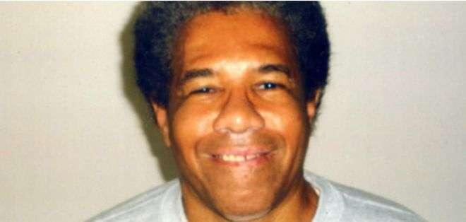 El juez Brady ordenó su liberación incondicional y prohibió que se llevara a cabo un tercer juicio.
