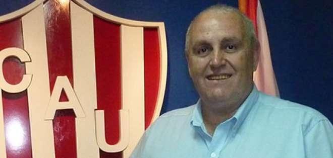 El presidente de Unión de Santa Fe, Luis Spahn, acudirá ante la FIFA si Barcelona no cumple promesa de pago.