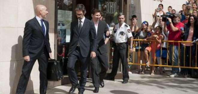 El futbolista argentino Lionel Messi es imputado por el supuesto delito de fraude e irá a juicio.