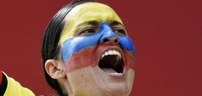 La fiesta del fútbol se está viviendo de dos maneras en Canadá y en Chile, con países que tienen representantes en ambos torneos como Colombia.