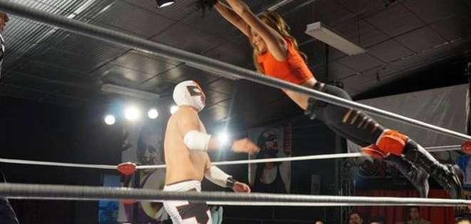 QUITO.- Dayllana nos habla esta vez de la lucha libre y los secretos de este deporte.  Fotos: Cortesía Dallyana Passailaigue