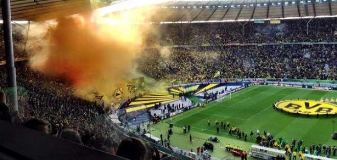 El club Borussia Dortmund tiene la mejor asistencia en su estadio por cuarta vez consecutiva.