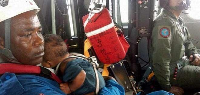 El bebé fue hallado en aparente buen estado de salud.