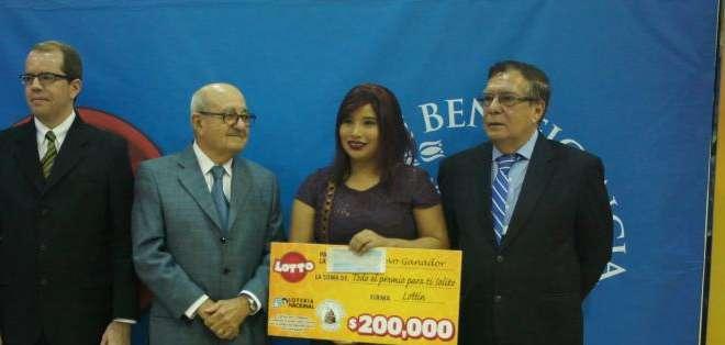 GUAYAQUIL.- La suerte tocó las puertas de una futura médica en Guayaquil. Fotos: Ecuavisa.com