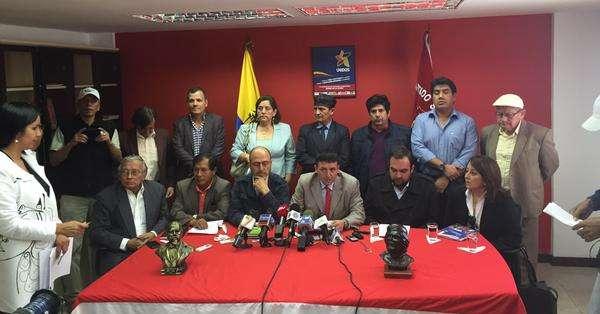 """QUITO.- Frente Unidos llama a defender la Plaza Grande contra """"intenciones golpistas"""". Foto: Jacqueline Rodas."""