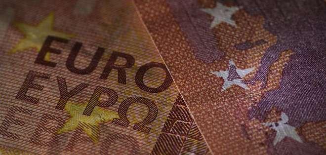 El máximo que los clientes pueden retirar con una tarjeta bancaria siguen siendo 60 euros por día. Foto: AFP