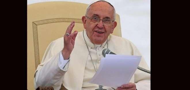 El papa Francisco regresó a Quito para reunirse con el presidente Correa. Fotos: AFP y API.