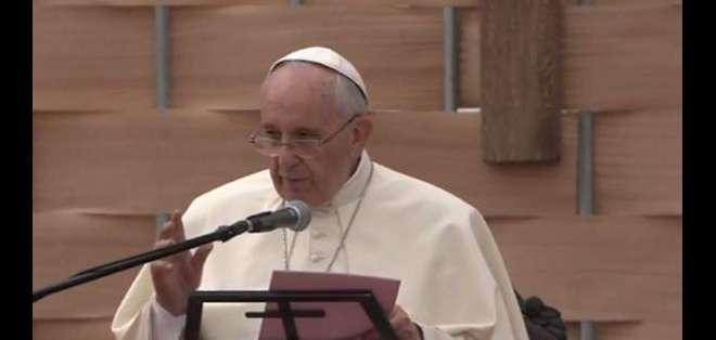"""QUITO.- Durante su discurso, el papa formuló un apremiante llamado a no """"seguir dándole la espalda"""" a la """"madre Tierra"""". Foto de Twitter ACI."""