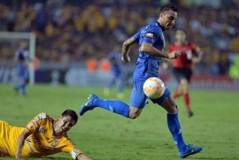 """El """"Tanque"""" Herrera podría reforzar a Independiente de Avellaneda si la directiva del club argentino decide aceptarlo."""