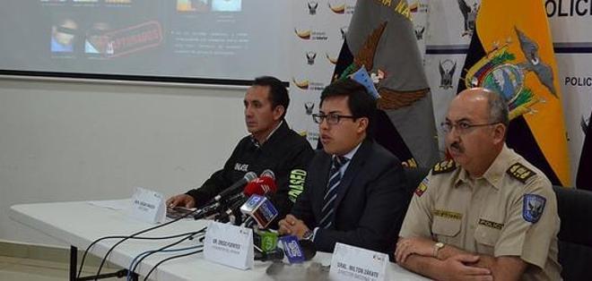 QUITO.- El viceministro del Interior, Diego Fuentes, explicó que la organización era liderada por cuatro reos. Foto: Tomado de Twitter de Ministerio del Interior.