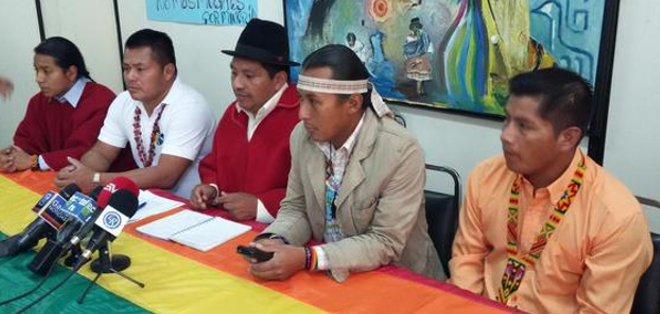 QUITO, Ecuador.- Según el titular de la Conaie, Jorge Herrera (c), el Gobierno nacional tuvo mucho tiempo para llamar a diálogo. Foto: Conaie