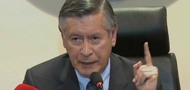 Fernando Sempértegui, rector de la UCE,  habló sobre la posición de la institución frente a los actos violentos. Foto: Captura de video