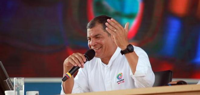 IMBABURA.- En el enlace 437 del presidente de la República, Rafael Correa, informó que en las próximas horas firmará el de estado de excepción por el aumento de la actividad volcánica del Cotopaxi. Foto: Presidencia
