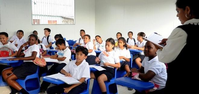 GUAYAQUIL, Ecuador.- El ministro de Educación anunció que el año lectivo en la Costa terminará el 30 de enero de 2016. Foto: Archivo