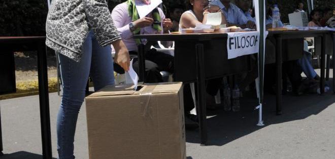 GUAYAQUIL, Ecuador.- Los tres candidatos a presidente apelaron los resultados del proceso. Foto: API