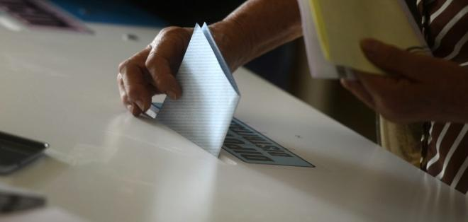 Tras un proceso electoral marcado por escándalos de corrupción, inicia la segunda campaña. Foto: AFP