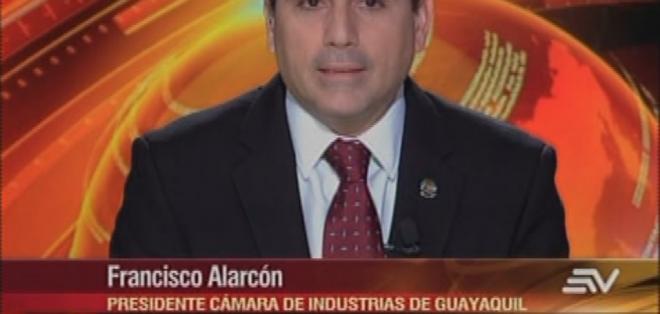 ECUADOR.- Francisco Alarcón durante su entrevista en el programa Contacto Directo. Foto: Ecuavisa