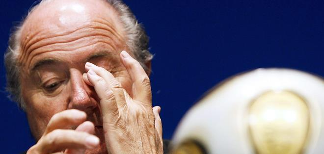 ZURICH, Suiza.- Blatter enfrenta una suspensión. Foto: EFE.