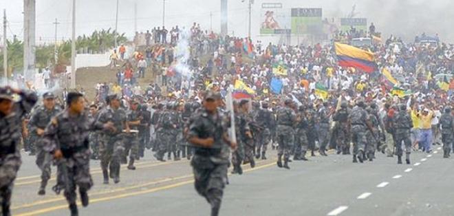 GUAYAQUIL, Ecuador.- Los habitantes de la península de Santa Elena se levantaron en octubre de 2007 para exigir la provincialización. Foto: Ángel Aguirre.
