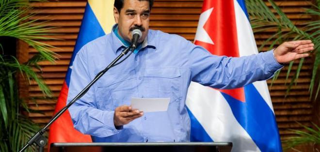 El mandatario venezolano quiere lograr una banda básica de 70 y 80 dólares. Foto: EFE