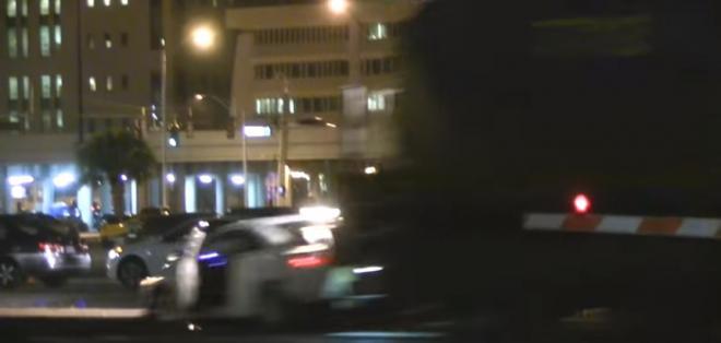EE.UU.- El conductor y su acompañante poco pudieron hacer para mover el vehículo. Fotocaptura del video