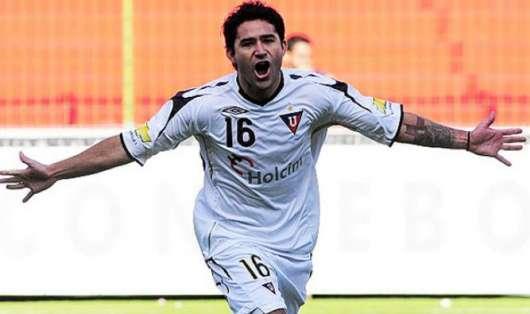 El atacante argentino-ecuatoriano fue campeón de la Copa Libertadores 2008 con los 'albos'. Foto. Archivo