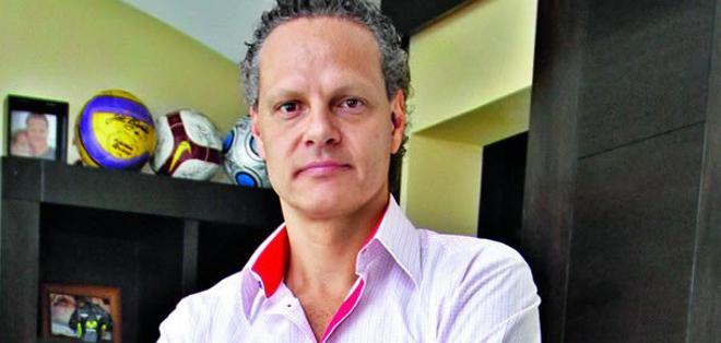 Esteban Paz, máximo dirigente de Liga Deportiva Universitario. Foto archivo Estadio