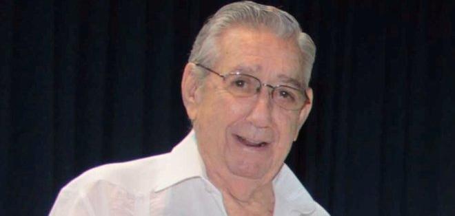 GUAYAQUIL, Ecuador.- Los restos de Lautaro Aspiazu Wright son velados en la sala de la Junta de Beneficencia. Foto: Archivo