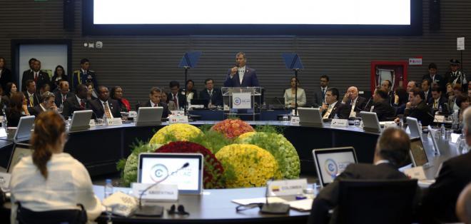 QUITO, Ecuador.- El presidente Correa ofreció el apoyo de la Celac para lograr el cese al fuego en Colombia. Foto: Presidencia de la República