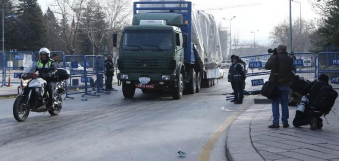 La explosión de un coche bomba causó la muerte de 28 personas en la capital turca. Foto: AFP