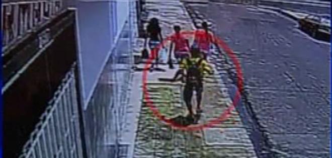 La víctima tiene quemaduras de primer y segundo grado y su pronóstico es reservado.  Foto: Captura de video