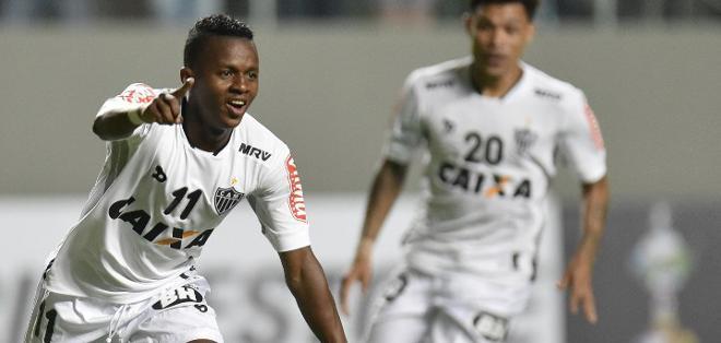 BELO HORIZONTE, Brasil.- El ecuatoriano Juan Cazares marcó en el primer minuto del encuentro. Foto: AFP.