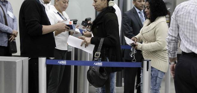 SAN JOSÉ, Costa Rica.- La crisis migratoria comenzó el 15 de noviembre pasado, cuando Nicaragua cerró su frontera a los cubanos aduciendo riesgos para la seguridad y soberanía del país. Foto: EFE