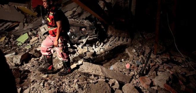 l terremoto se produjo la noche del sábado entre los balnearios costeros de Cojimíes y de Pedernales, en la provincia de Manabí.