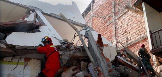 MANABÍ, Ecuador.- El número de muertos a causa del terremoto se elevó a 413, según Ministerio Coordinador de Seguridad.
